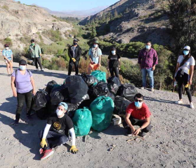"""Diputado Santana y grupo de jóvenes realizaron limpieza en sector """"El Jilguero"""""""