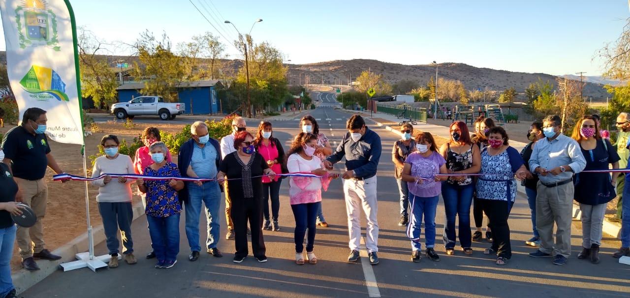 Entregan casetas sanitarias y alcantarillado en Chachiyuyo