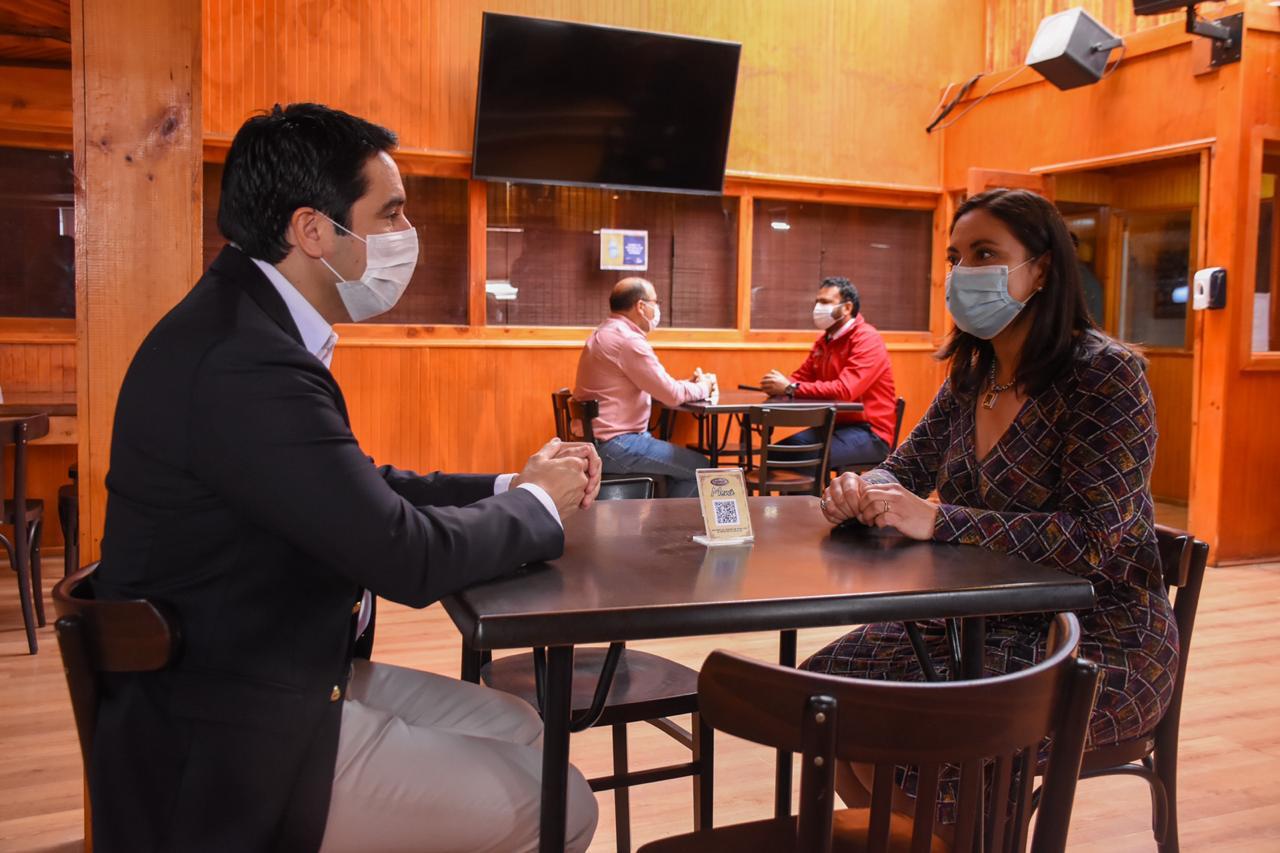 Dan el vamos a apertura al interior de restaurantes, cafés y locales análogos  en Atacama