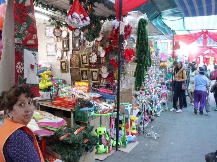 Feria navideña se traslada a la plaza y con horario limitado