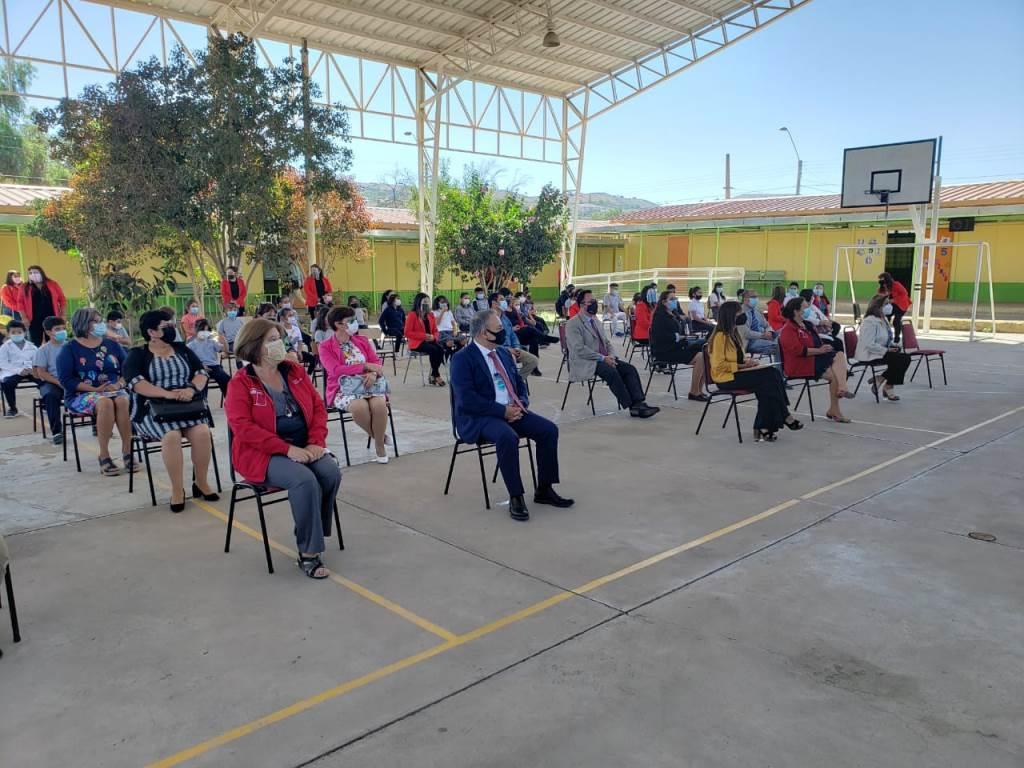Gobierno destaca disposición y participación de los padres y apoderados en proceso de retorno a clases presenciales