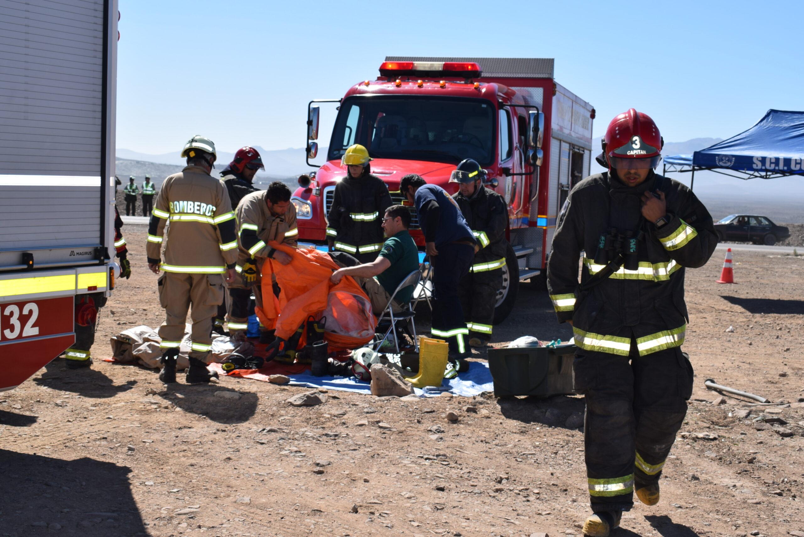 Renuevan seguro de vida para bomberos de Vallenar