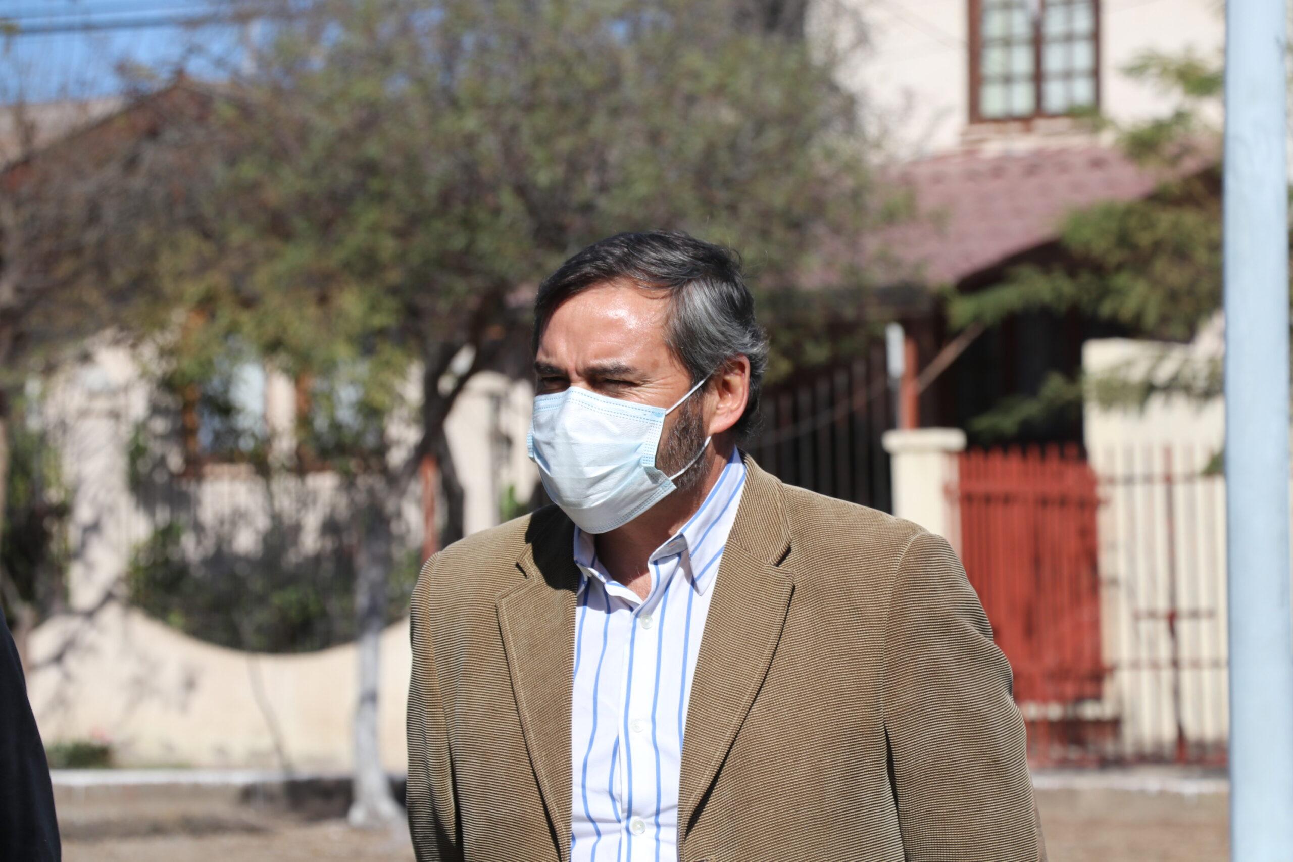 """Eduardo Espinoza Rodriguez, jefe de la Unidad Jurídica del municipio de Vallenar: """"Se busca es que el municipio trabaje bajo la norma y hacer todo bajo lo que la ley nos mandata"""""""
