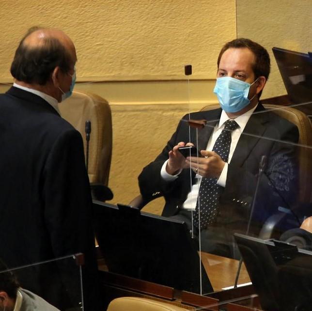 """Diputado Nicolás Noman valora permiso de media jornada para asistir a vacunarse: """"Todos los trabajadores del país tendrán derecho a ir a inocularse en horario laboral"""""""