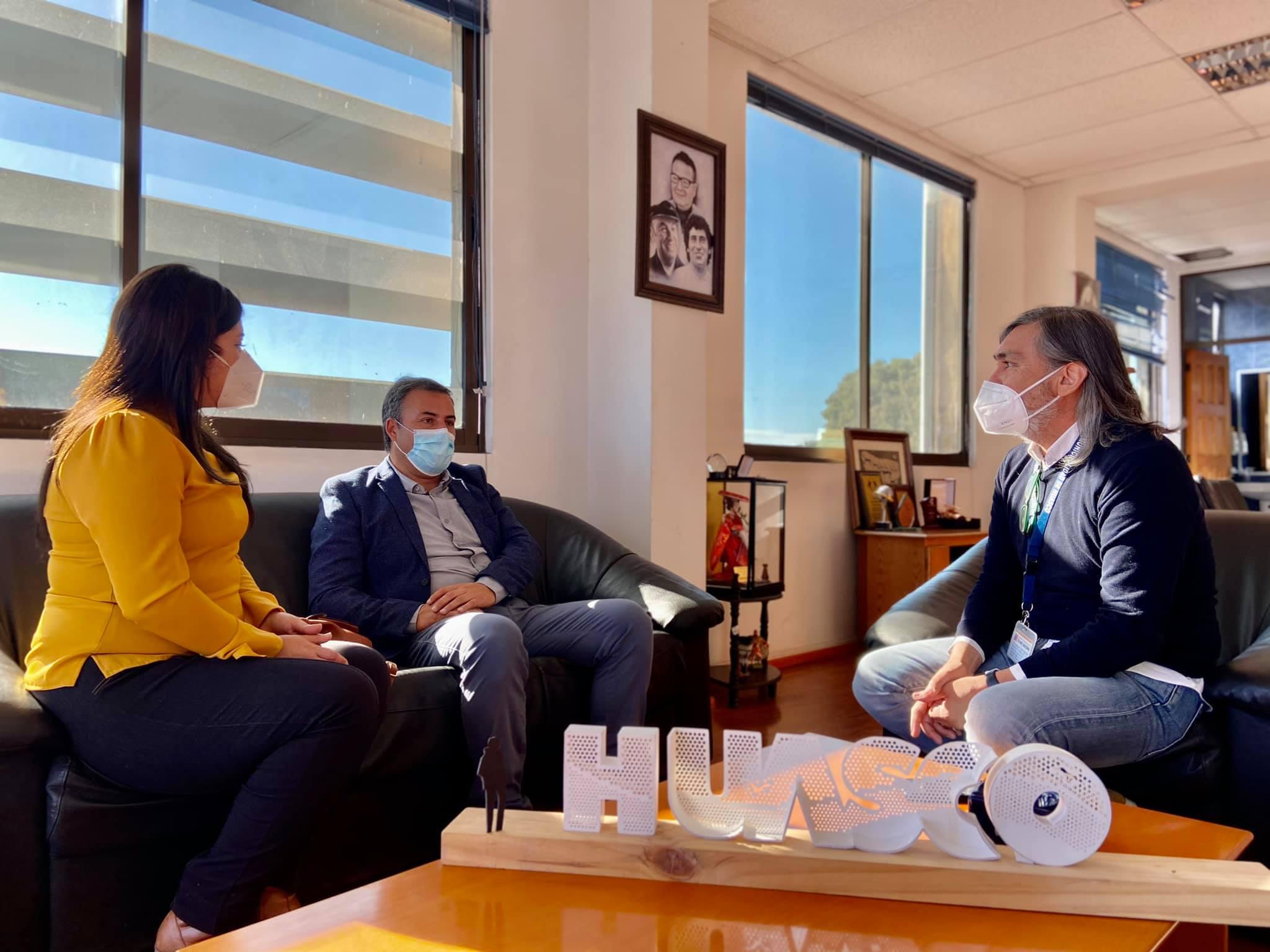 El alcalde Rodrigo Loyola se reunió con el alcalde electo, Genaro Briceño y su equipo de trabajo para coordinar el traspaso de la administración municipal.