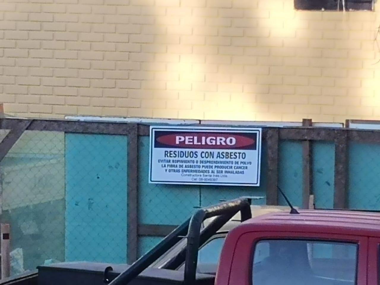 Profesores de Liceo PTM preocupados por trabajos con materia que contiene asbesto