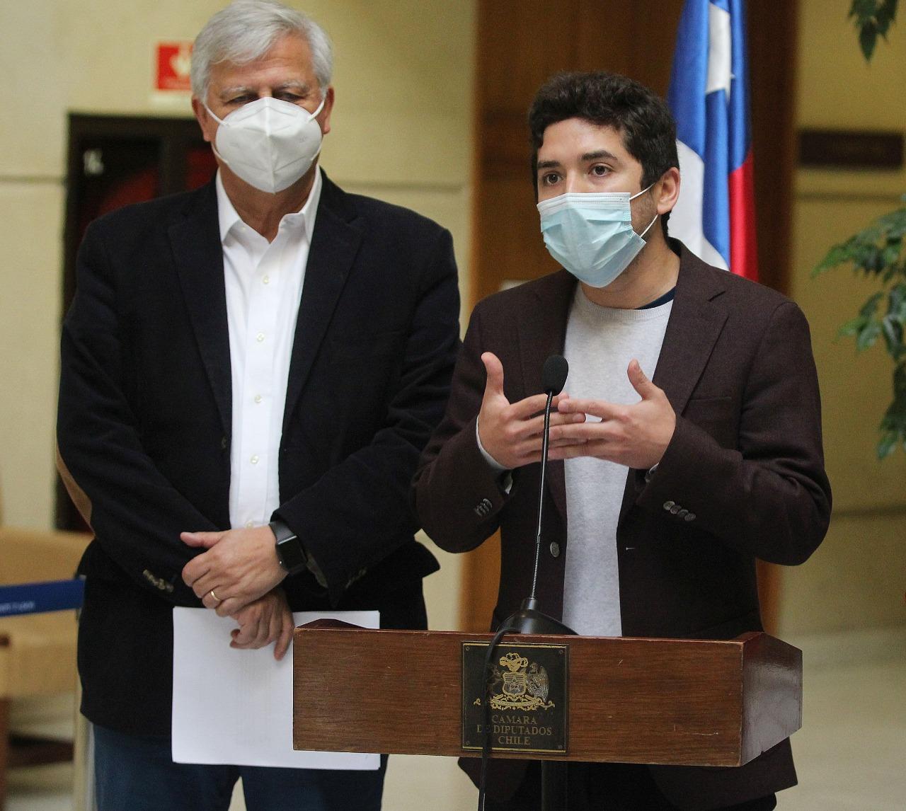 Santana pide a Bienes Nacionales respeto con mineros de Domeyko