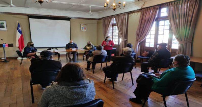 Jornada informativa destinada a los adultos mayores se desarrolló este lunes, en las dependencias de la Delegación Presidencial Provincial del Huasco.