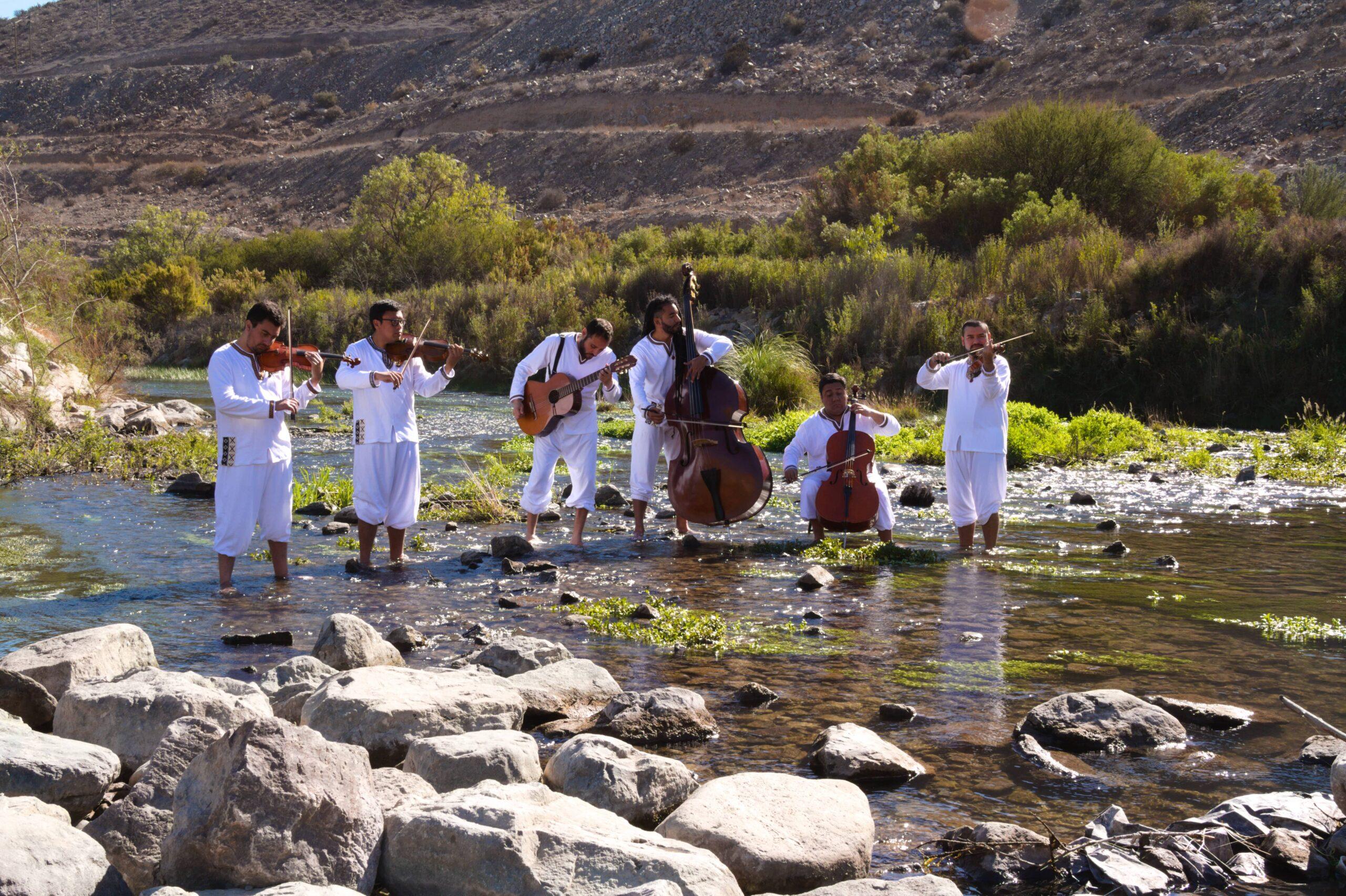"""Primer disco de """"Quinteto Atacama"""" destaca nuestra identidad cultural y belleza natural"""