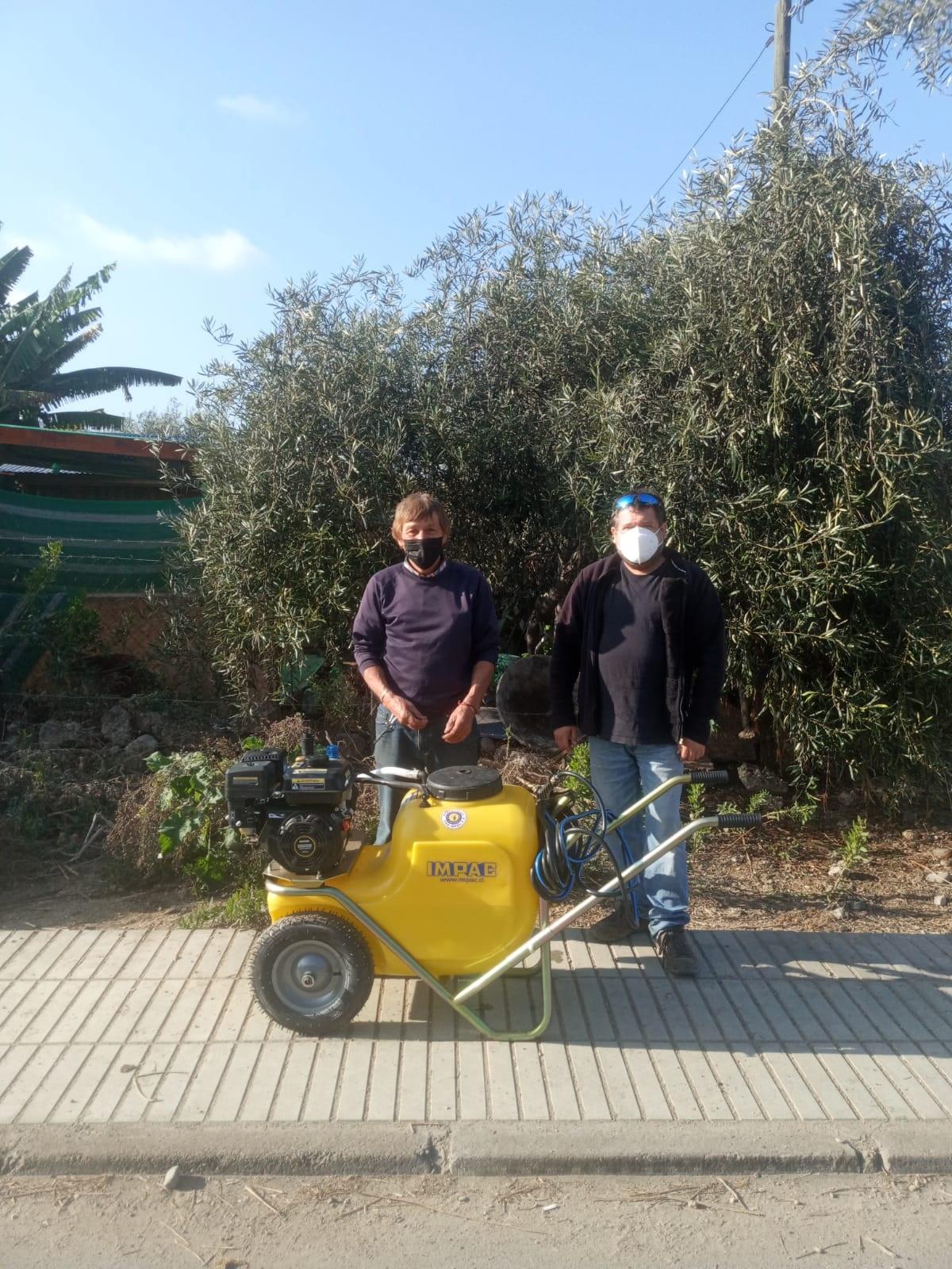 Agrotec entrega insumos a agricultores del Prodesal Huasco