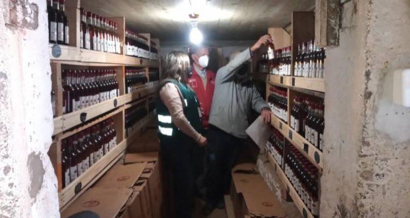 Seremi de Agricultura y SAG fiscalizan elaboración de vinos en Vallenar