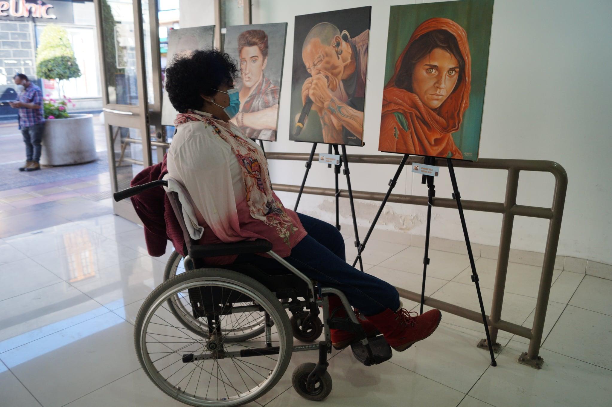 Vuelven las exposiciones artísticas: Jonathan Guzmán Donayde se toma el centro cultural