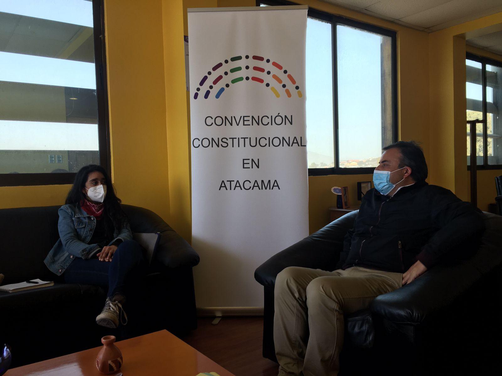 Convencional Constanza San Juan se reunió con vecinos y autoridades en semana distrital