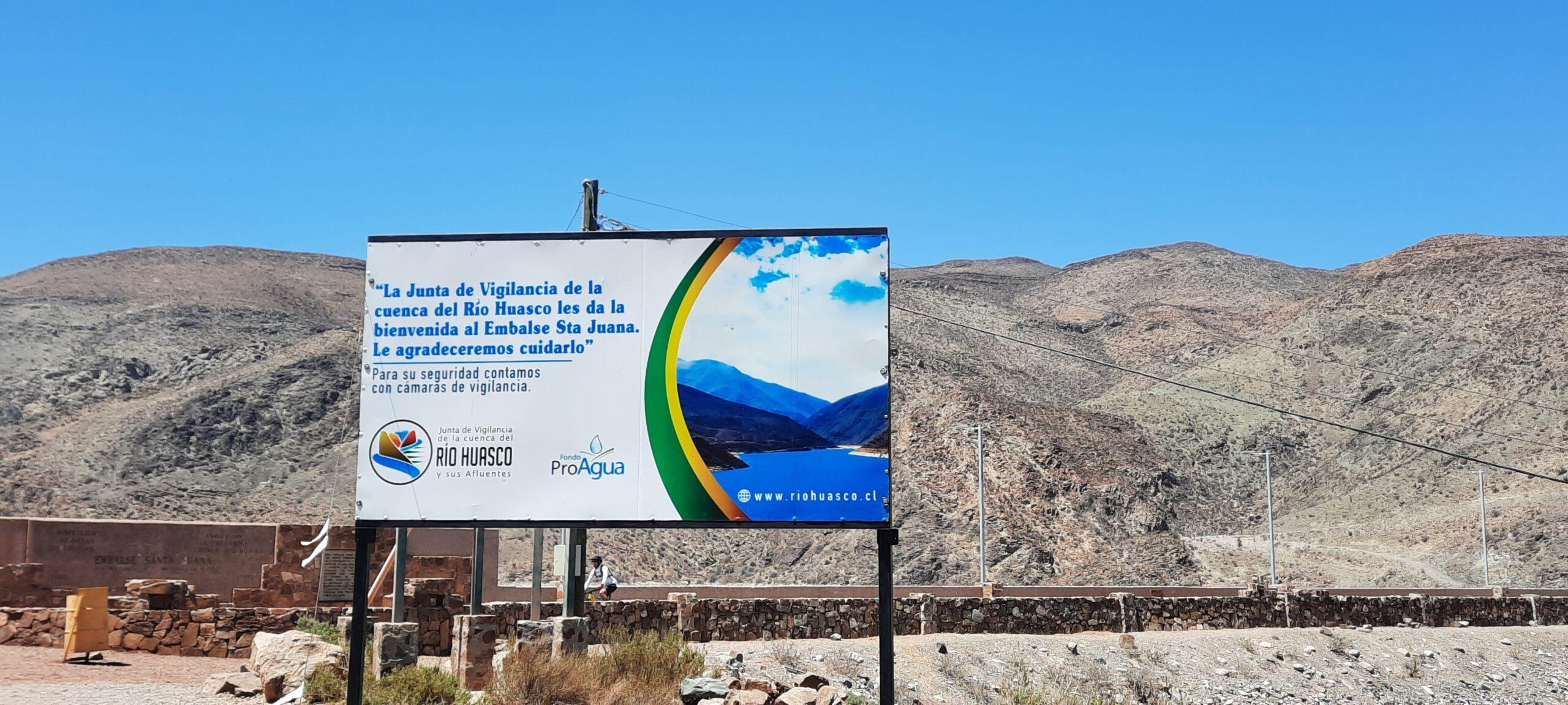 Junta de Vigilancia del Río Huasco instala modernas señaléticas en el Embalse Santa Juana